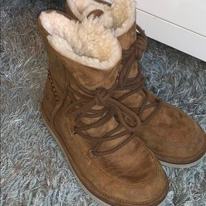 Women's Ugg Lodge Boot- Chestnut